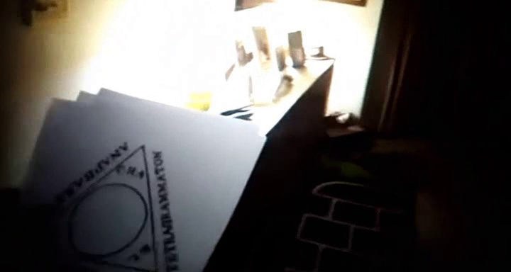 triangulo-paranormal-activity-5