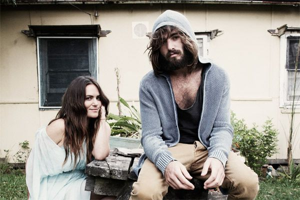 angus_and_julia_stone_600