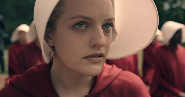 elisabeth moss as offred 1