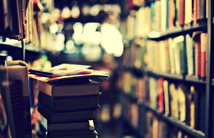 o STACK OF BOOKS facebook