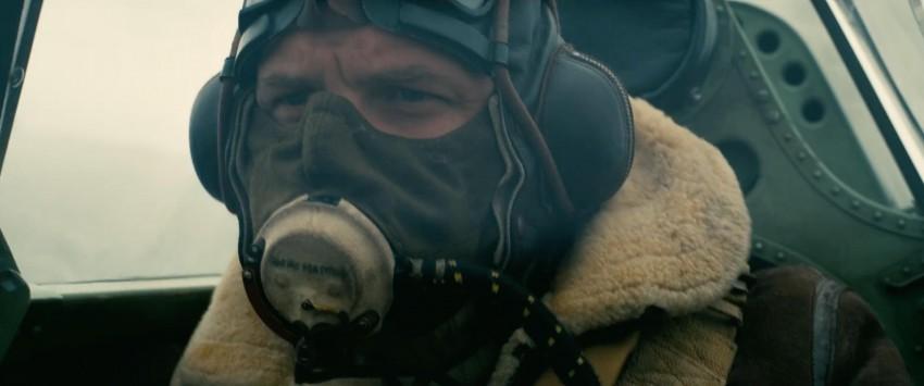 Tom Hardy con la cara tapada en Dunkirk