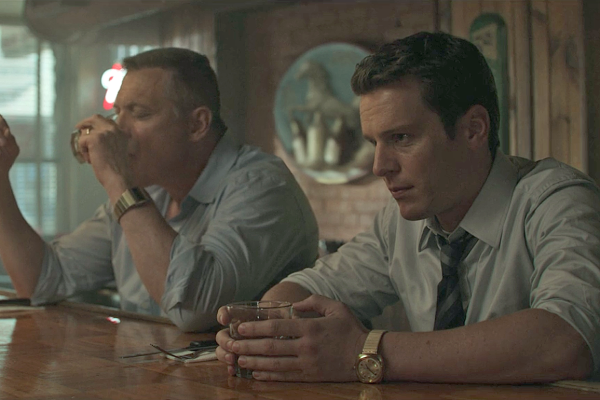 Holden Ford (Jonathan Groff) y Bill Tench (Holt McCallany) en una escena de Mindhunter