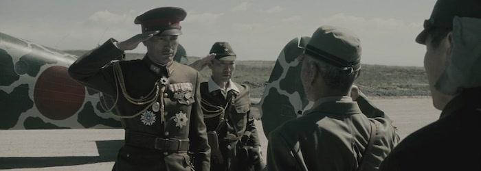 Soldados japoneses frente avion