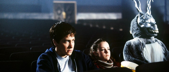 Donnie, hermana y conejo en el cine